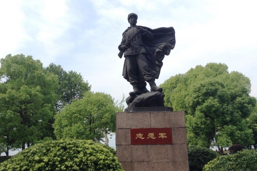 中国人民志愿军雕像