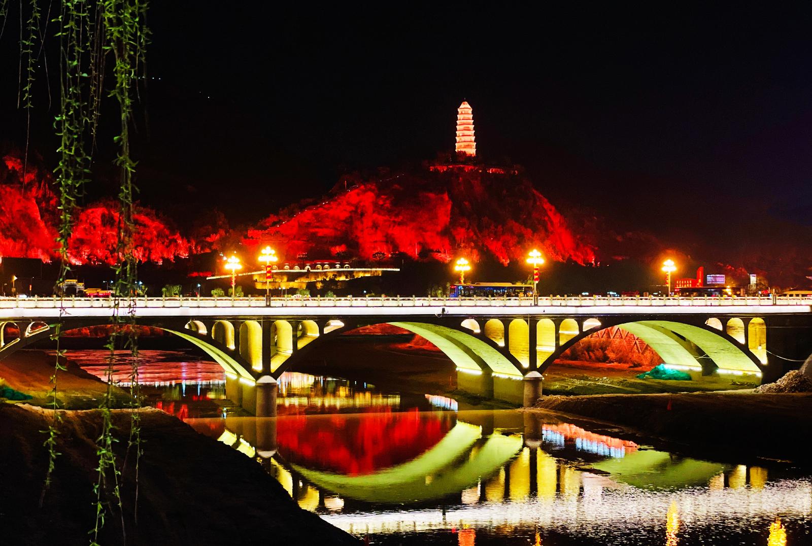 延安宝塔山夜景